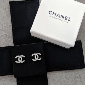 Chanel CC classic stud earrings